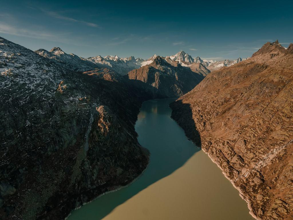 Daniel-Hager-Photography-Zurich-Switzerland-Drone-Mountains-October-096.jpg