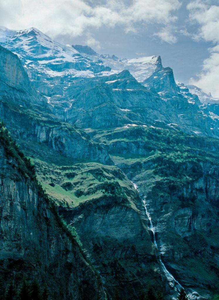 Daniel-Hager-Photography-Film-Zurich-Switzerland-Berneroberland-4-v2.jpg